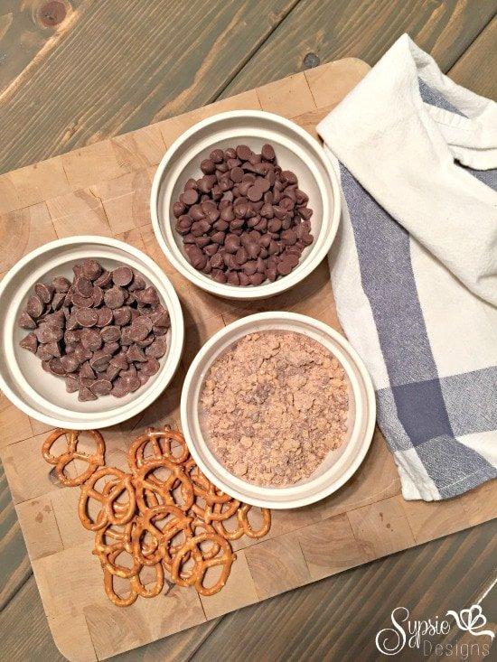 Easy Chocolate Covered Pretzel Treats - Holiday Party Dessert Ideas - Sypsie Designs