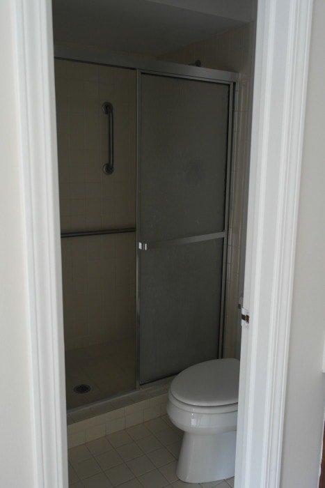 Master Bathroom Before - Sypsie.com