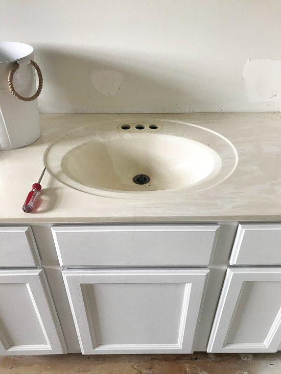 Easy Budget Master Bathroom Updates - Sypsie.com