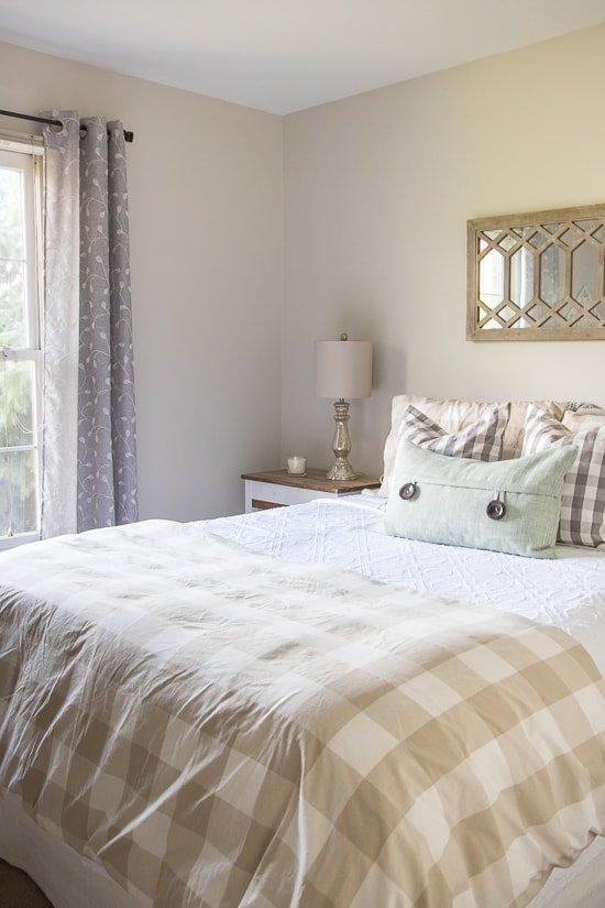 Easy & Inexpensive Guest Bedroom Updates - Sypsie.com